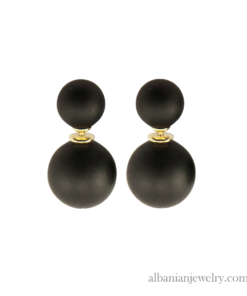 Double pearl earrings with 2 black matt pearls