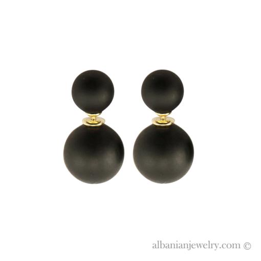 Double pearl earrings with 2 black matt pearls