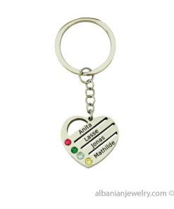 Uitgesneden hart tot 4 namen Keychain